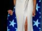 Šaty prvej dámy USA Melanie Trumpovej mali prekvapivý rozparok. Pochádzali z dielne dizajnéra Hervého Pierra.
