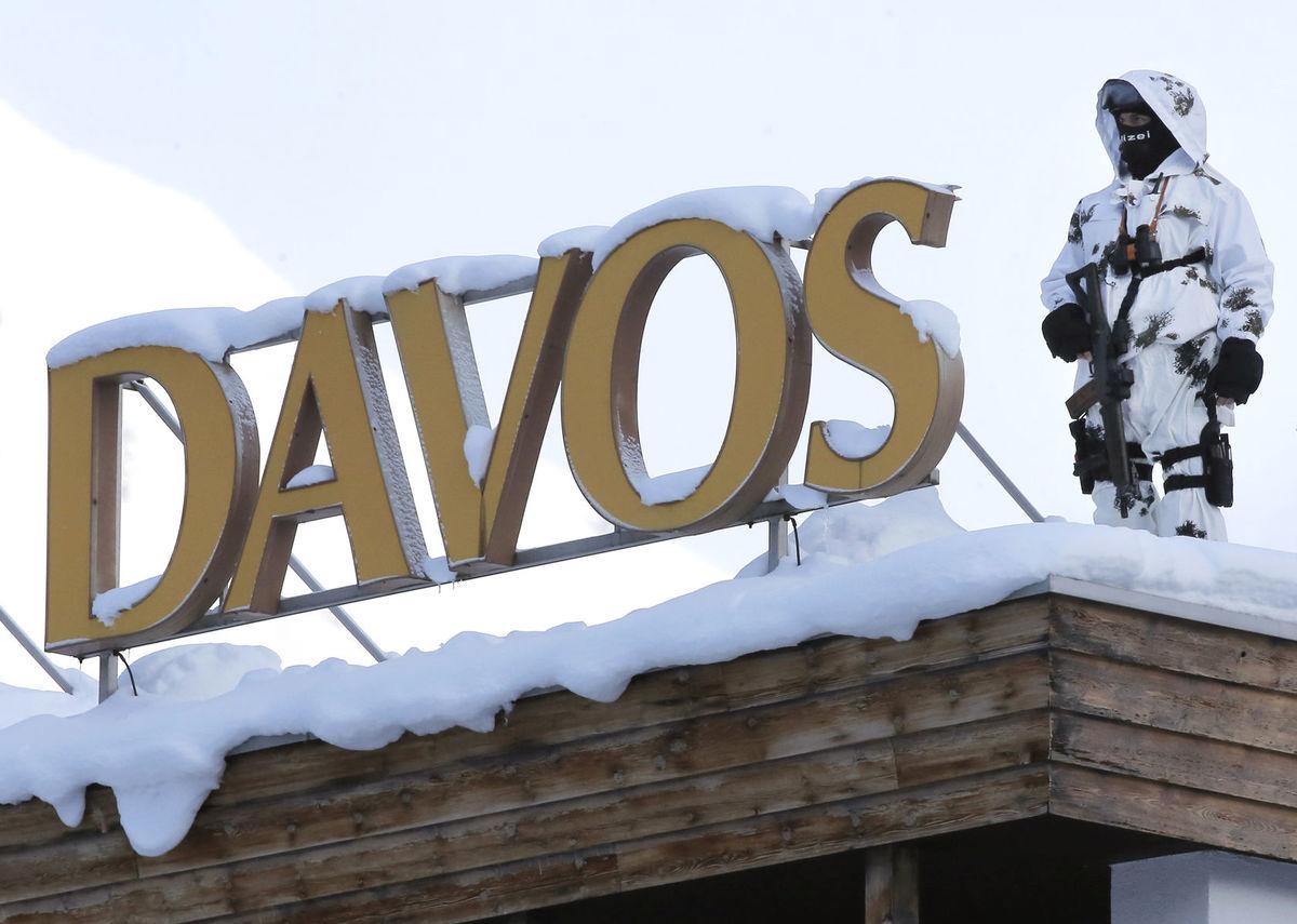 Hostí štvordňového Svetového ekonomického fóra v Davose strážili aj početní ostreľovači. Bezpečnostné opatrenia vyšli tento rok na 8,4 milióna eur.