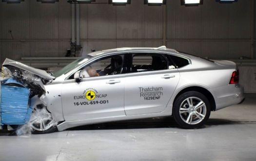 Volvo S90/V90 prešlo testami ako nôž maslom. Získalo jedno z najlepších hodnotení v histórii euro NCAP.