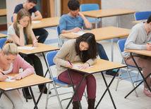 vysoká škola, študenti, scio testy