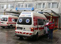 sanitka, úraz, pacient, zachranka, poladovica, nemocnica