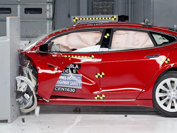 IIHS - crashtest 2017 Tesla Model S