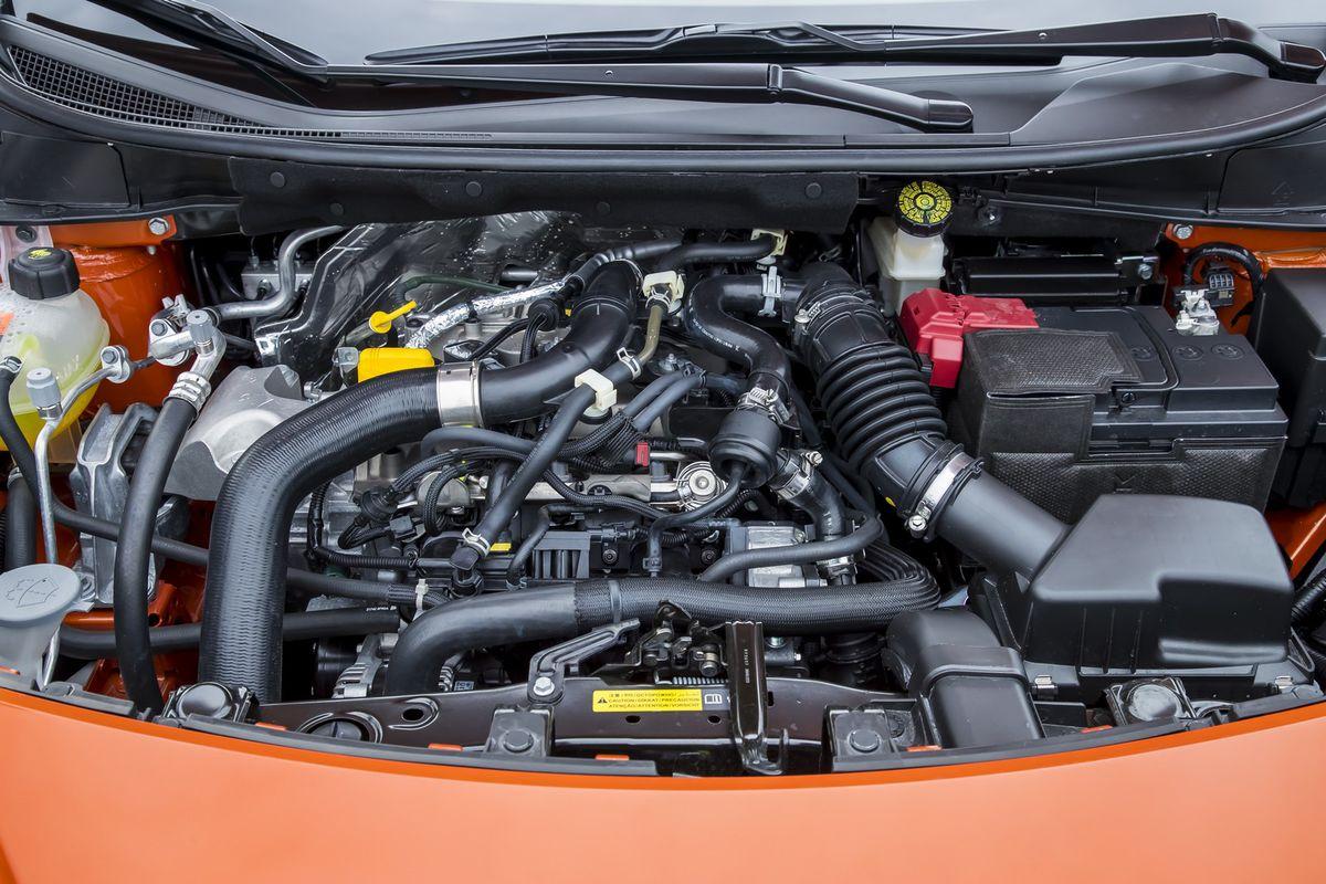 Benzínový motor je pocitovo svižnejší, no oficiálne údaje o zrýchlení hovoria opak.