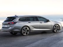 Opel Insignia Sports Tourer: Nové ladné kombi ukážu v Ženeve