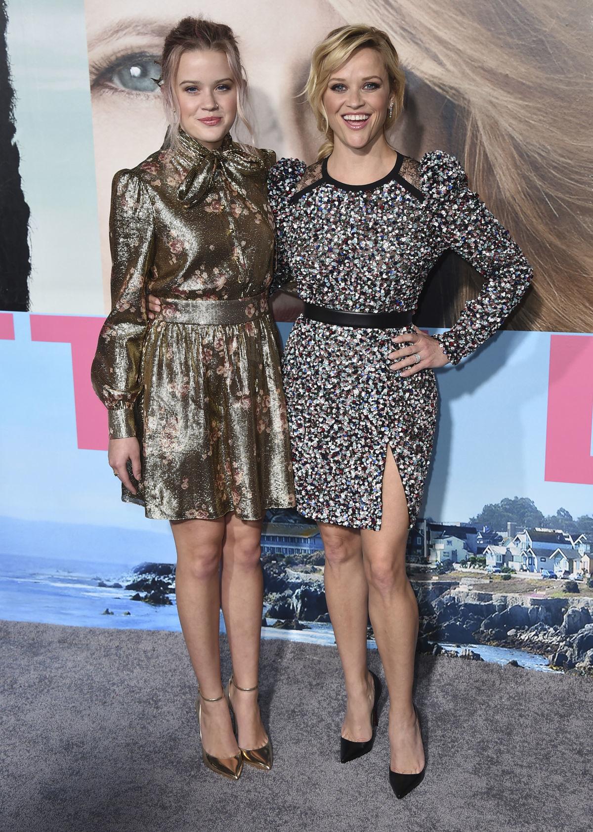 Herečka Reese Witherspoon (vpravo) prišla v spoločnosti dcéry Avy Phillippe.