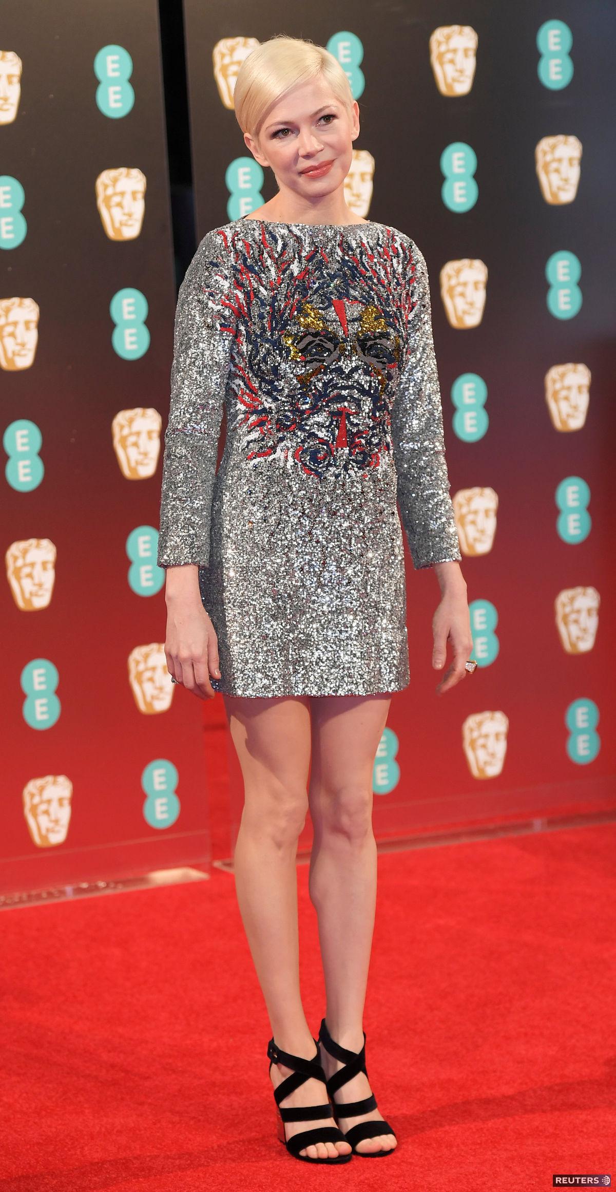 Herečka Michelle Williams prišla v šatách Louis Vuitton.