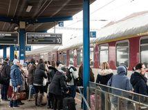 železnice, vlaky, cestovanie