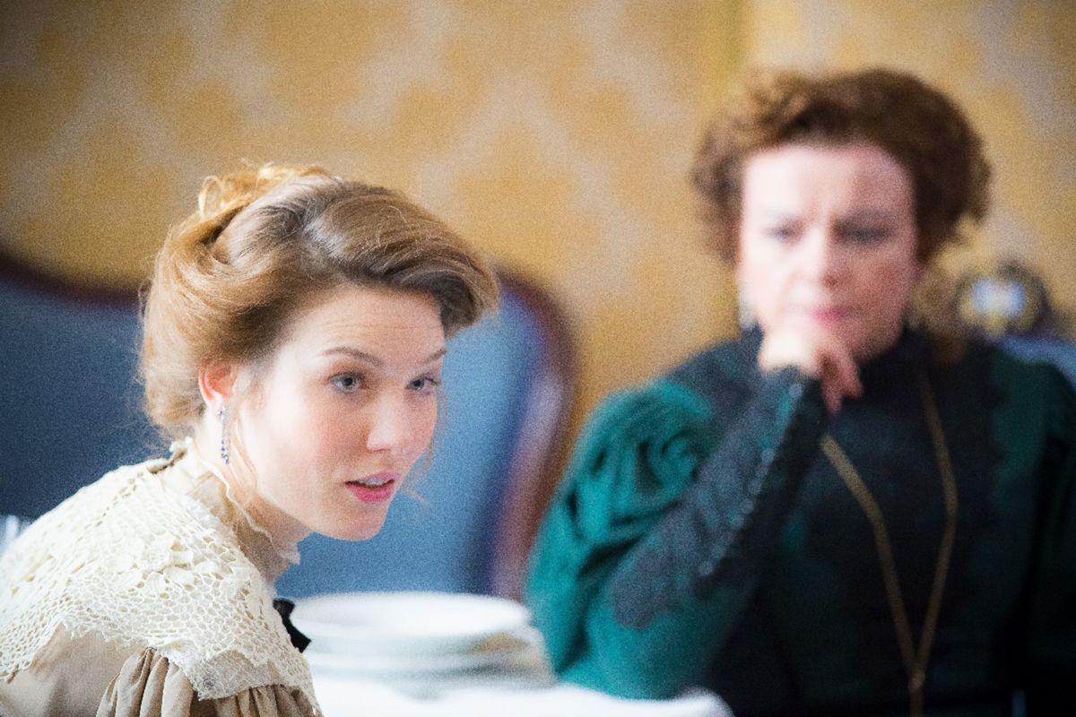 Danica Matušová (vľavo) a Anikó Vargová v seriáli 1890.
