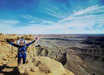 Púšť, kozmonautka