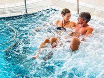 wellness, bazén, kúpalisko, relax, oddych, dovolenka, kúpele