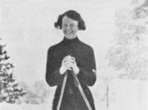 Esme McKinnonová