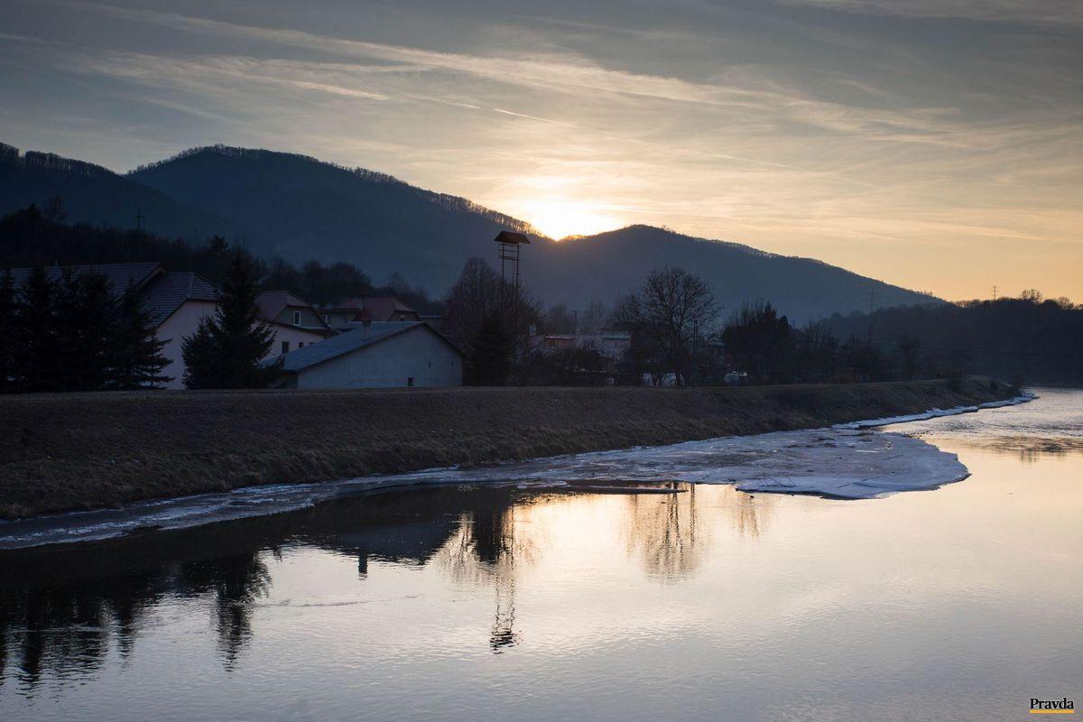 Jalná, časť Trnavej Hory. Obyvatelia sa obávajú vysokej podzemnej vody.