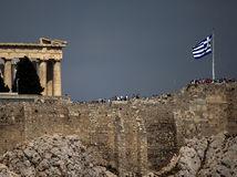 Grécka kríza zamáva Európou