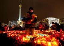 Tretie výročie Majdanu: Centrum Kyjeva pripomína pevnosť