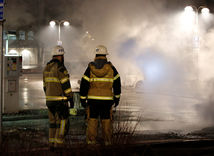 Švédsko vyšetruje nepokoje v prisťahovaleckej štvrti Štokholmu