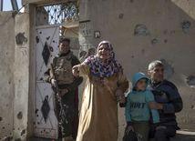 Mósul, Irak, Iračanka, žena, vojna, boj, vojak,