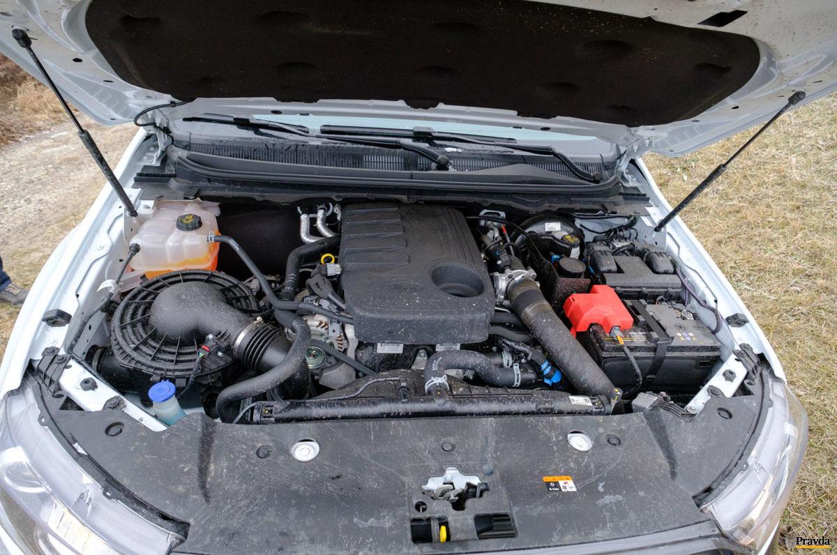 Radový naftový päťvalec produkuje krútiaci moment 470 Nm.