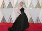 Herečka Kirsten Dunst v róbe Dior Haute Couture.