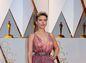 Herečka Scarlett Johansson vyzerala sexi. V kreácii Alaia.