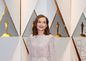 Nominovaná herečka Isabelle Huppert prišla na ceremoniál v kreácii Armani Privé.