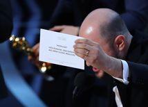 Fatálny omyl na Oscaroch: Film roka je Moonlight, cenu dali najprv La La Landu!