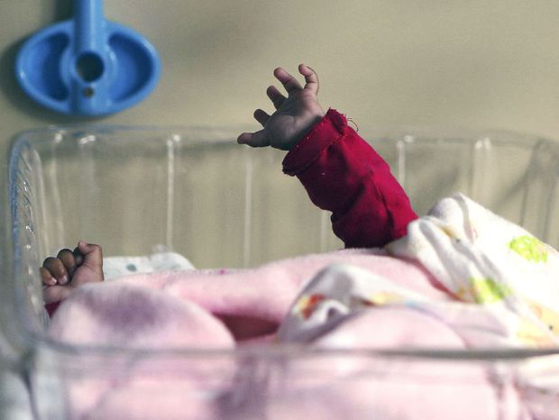 dieťa, bábätko, novorodenec, nemocnica, pôrodnica, dojča, ruka