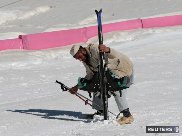 Lyžovačka v Pakistane.