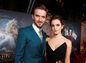 Herci Emma Watson a Dan Stevens pózujú na premiére filmu Kráska a zviera.