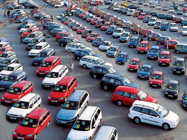 Nemecko je niel najväčším automobilovým trhom Európy ale aj najväčším trhom s jazdenými autami. Ročne tu prebehne 7,4 milióna, zmien registrácií.