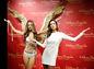 Modelka  Alessandra Ambrosio odhalila svoju sochu v múzeu  voskových figurín Madame Tussauds v Šanghaji.