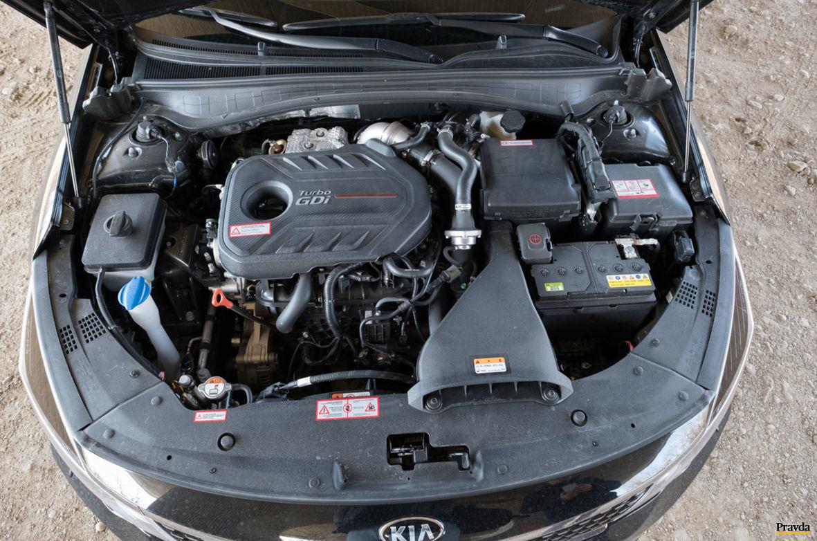 Dvojlitrový motor dodáva výkon 245 koní.