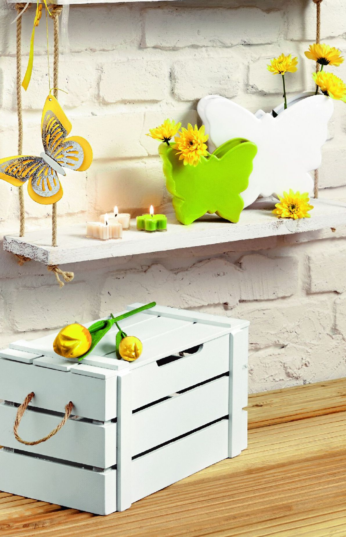 Drobné žlté dekorácie, KIK