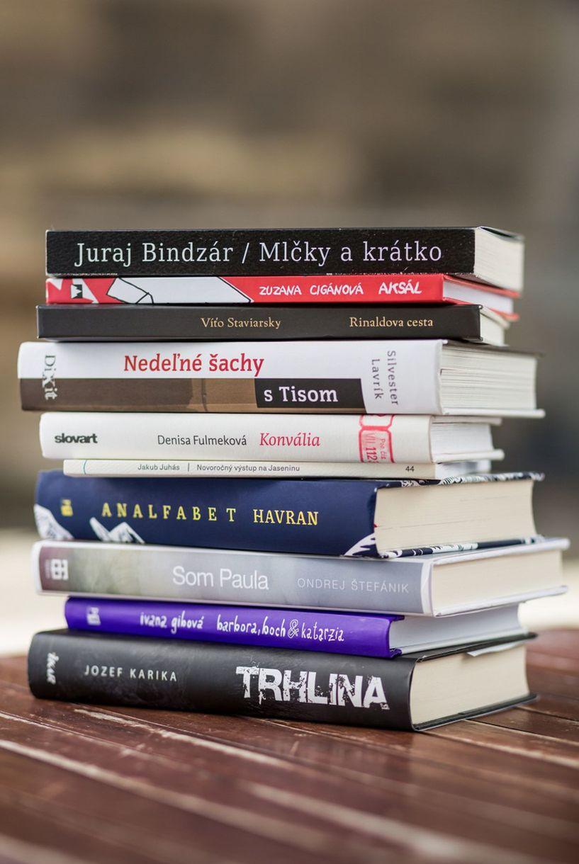 Desať finálových kníh nominovaných na cenu Anasoft litera 2016.