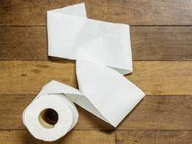 WC, toaleta, záchod, toaletný papier, črevo, konečník