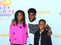 Herec Kevin Hart a jeho deti prišli tiež.