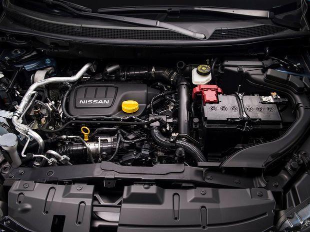 Motory pod kapotou sa nemenia. Výkon dvoch benzínových a dvoch naftových 4-valcov siaha od 81 do 120 kW.