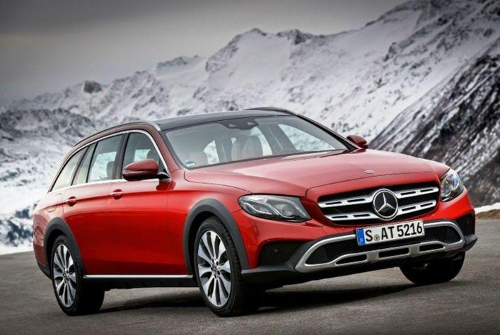 """Najmenej miesta na parkovanie si """"pýtajú"""" senzory Mercedesu-Benz E All-Terrain."""