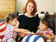 Herečka a knižná autorka Kristína Farkašová so svojimi dcérami.
