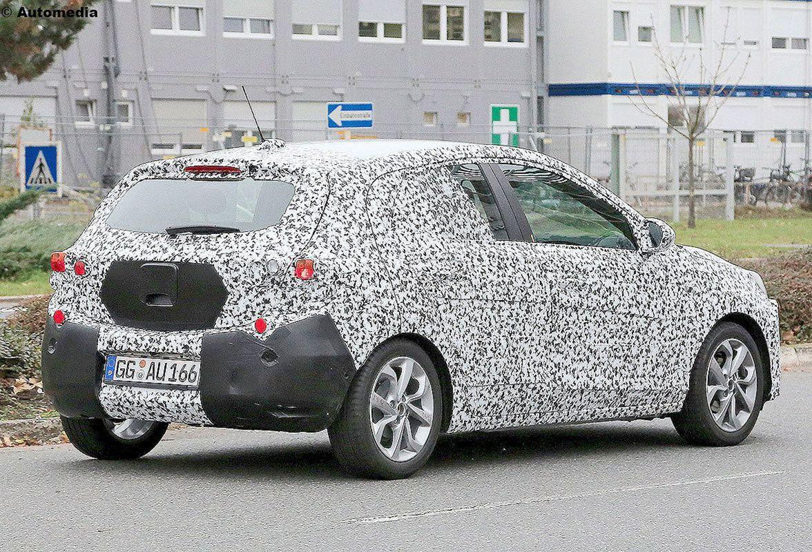 Corsa mala prísť na svet už na budúci rok. Lenže musí zmeniť platformu. Tú nemeckú, či s kôr americkú z koncernu GM, za francúzsku.