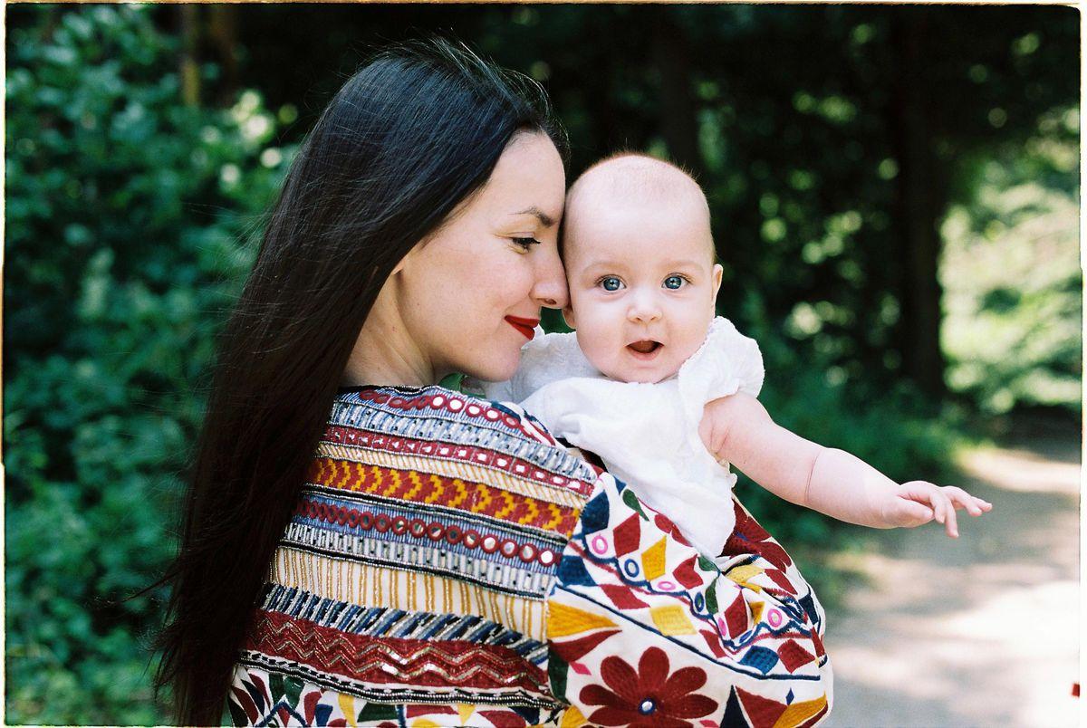 Spisovateľka Tamara Šimončíková Heribanová s dcérou Emilkou.