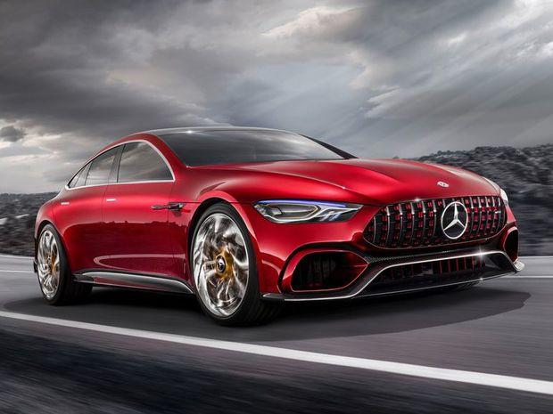 Štúdia AMG GT Concept predznamenáva príchod sériového fastbacku. Na dĺžku by mal mať cez päť metrov, pričom využije upravenú platformu súčasného superšportu.