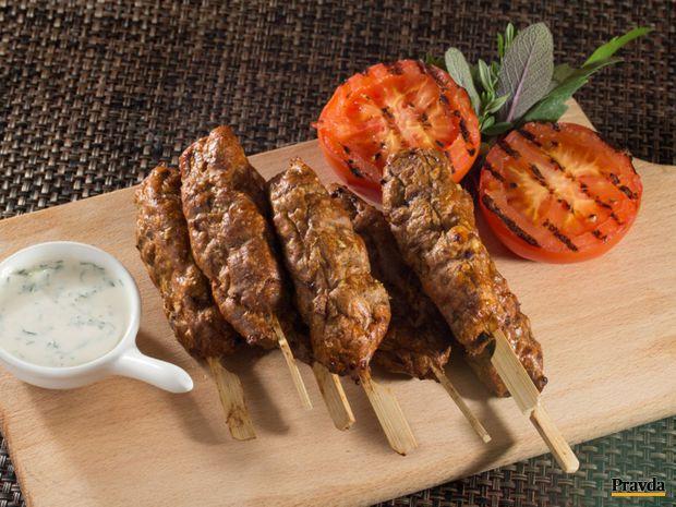 jahňacie kofty s tahini dresingom, mleté mäso