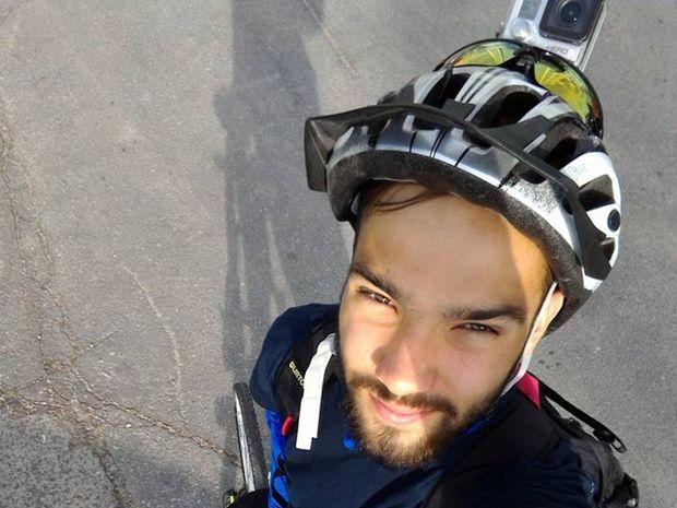 Lukáš Žilavý sa rozhodol, že zdolá trasu Bratislava Banská Bystrica na bicykli.