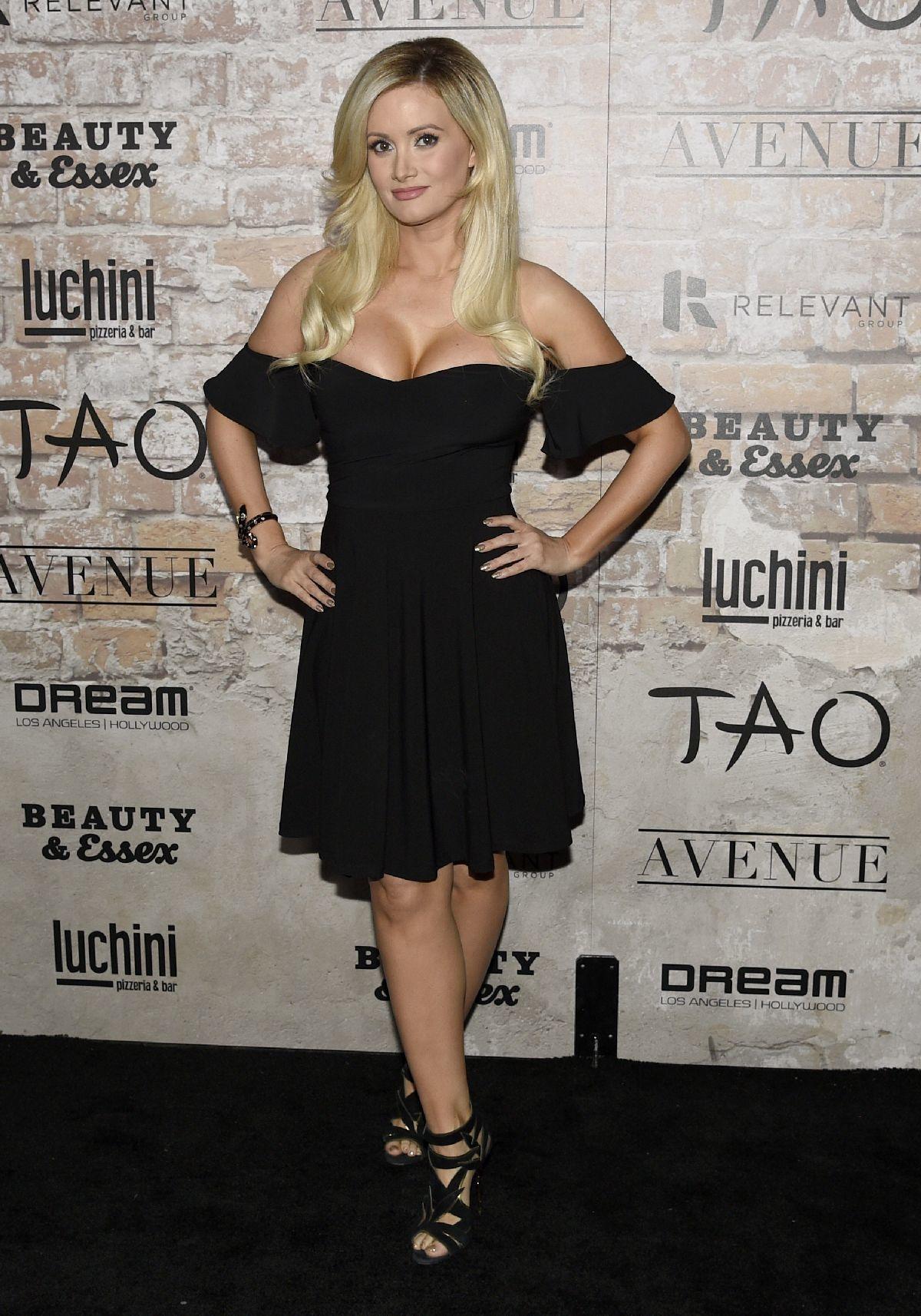 Holly Madison prišla na otvorenie reštaurácie v Hollywoode.