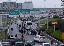 letisko, orly, parížske letisko, evakuácia,