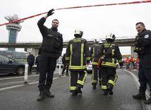 hasič, Orly, letisko, Paríž, záchranár