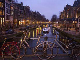 Holandsko, Amsterdam, bicykle, kanál, loď, čln
