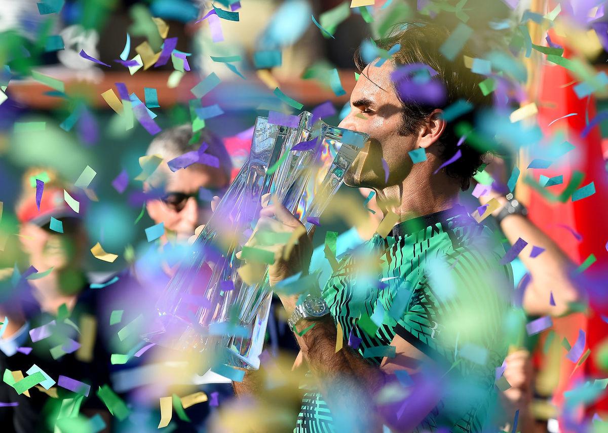 Roger Federer počas slávnostného ceremoniálu v Indian Wells.