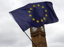 vlajka EÚ, brexit, Big Ben, Británia