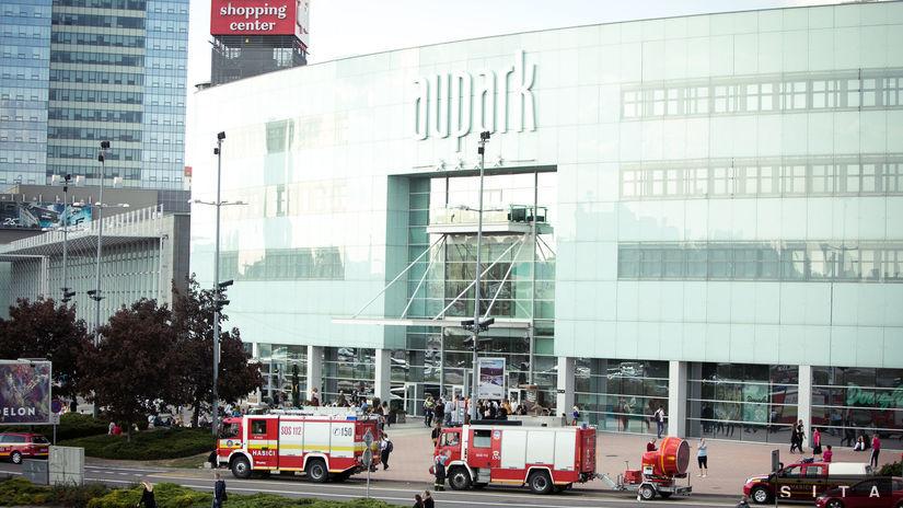 cd2c27c8a5 Požiar v bratislavskom Auparku vyšetrujú ako všeobecné ohrozenie - Regióny  - Správy - Pravda.sk